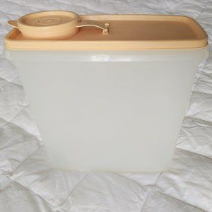 Vintage Tupperware Cereal Keeper Container & Lid